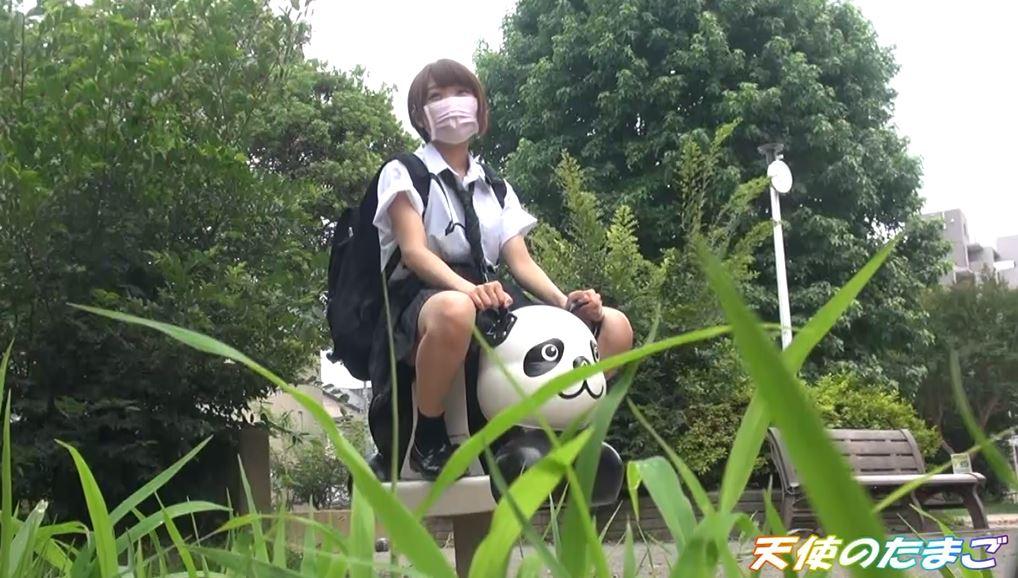 【驚愕】制服女子生徒がカラオケBOXで援○した映像・・・慣れてて草wwwwwwwwwwwwwwww・1枚目