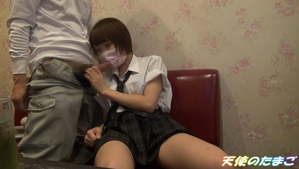【驚愕】制服女子生徒がカラオケBOXで援○した映像・・・慣れてて草wwwwwwwwwwwwwwww・10枚目