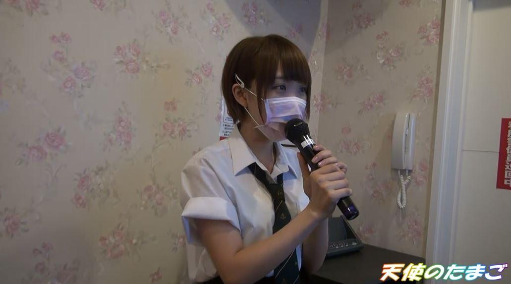 【驚愕】制服女子生徒がカラオケBOXで援○した映像・・・慣れてて草wwwwwwwwwwwwwwww・2枚目