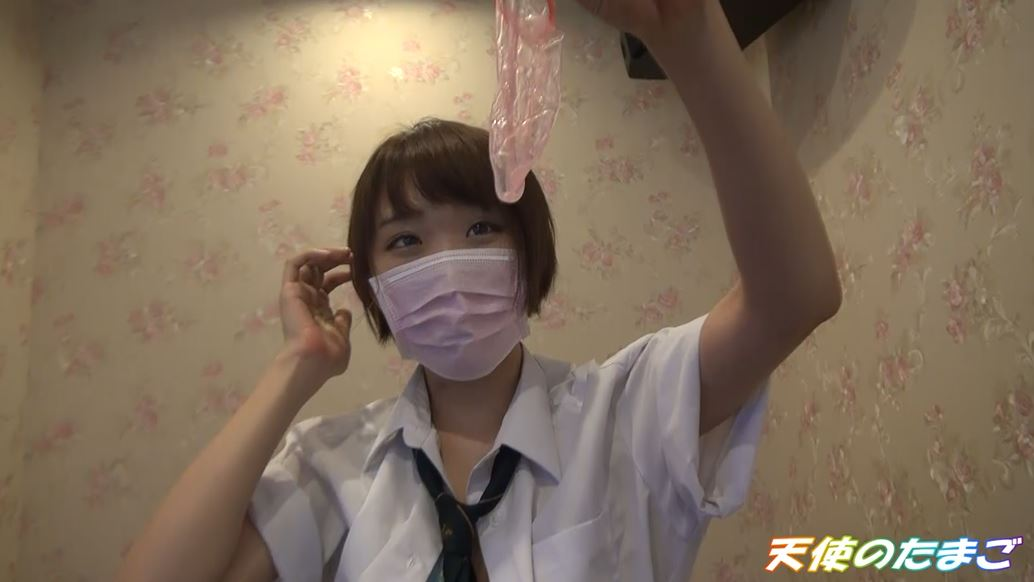 【驚愕】制服女子生徒がカラオケBOXで援○した映像・・・慣れてて草wwwwwwwwwwwwwwww・25枚目