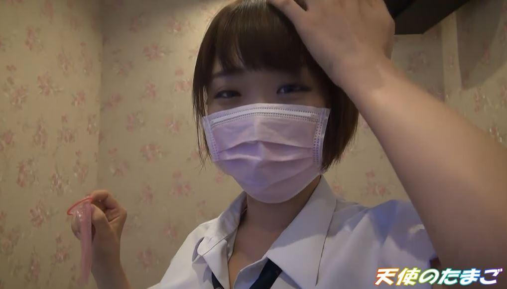 【驚愕】制服女子生徒がカラオケBOXで援○した映像・・・慣れてて草wwwwwwwwwwwwwwww・26枚目