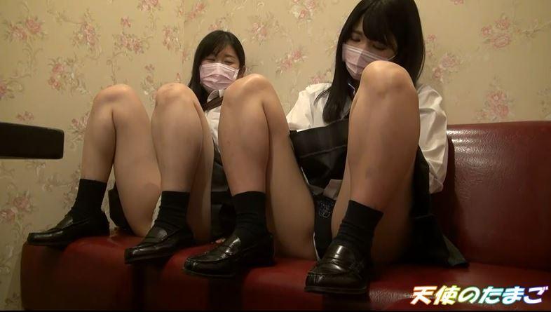 【ハメ撮り】2人の制服女子がカラオケボックスで3Pする問題のAVがこちらwwwwwwwwwwww・12枚目