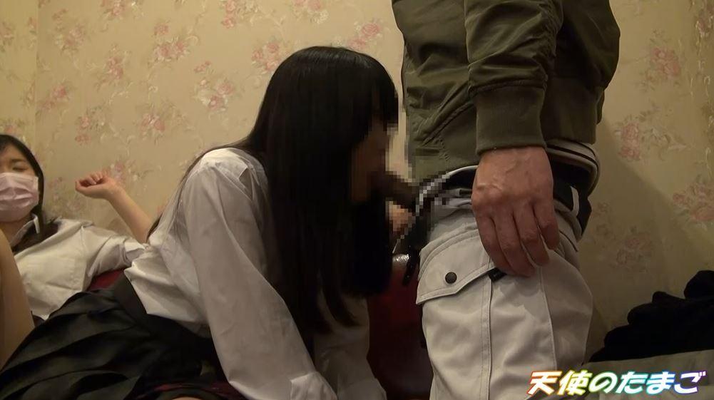 【ハメ撮り】2人の制服女子がカラオケボックスで3Pする問題のAVがこちらwwwwwwwwwwww・15枚目
