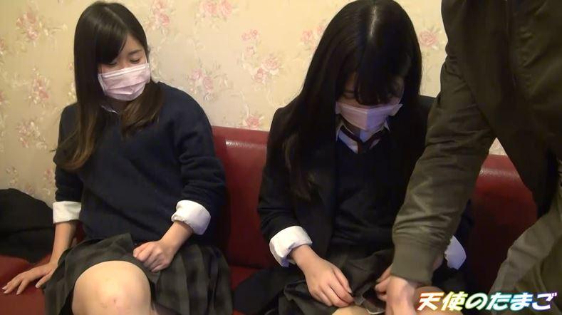 【ハメ撮り】2人の制服女子がカラオケボックスで3Pする問題のAVがこちらwwwwwwwwwwww・5枚目