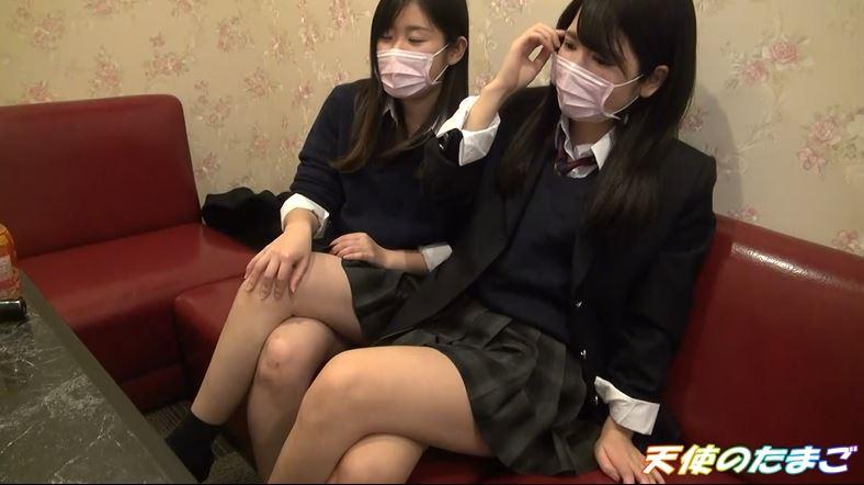【ハメ撮り】2人の制服女子がカラオケボックスで3Pする問題のAVがこちらwwwwwwwwwwww・9枚目